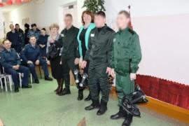 Осужденным подарили коньки (2)
