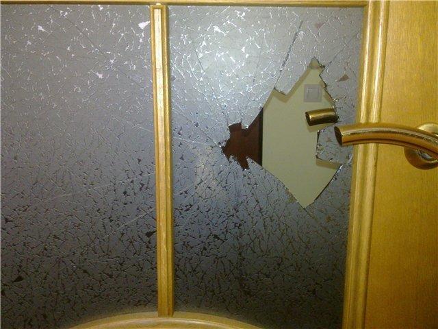 Как поменять дверь в ванной