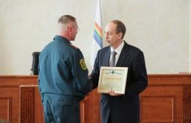 Александр Левинталь вручил награды жителям области (1)