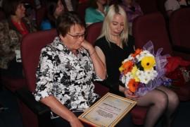 Евгений Коростелев вручил регалии Галине Кохман (4)
