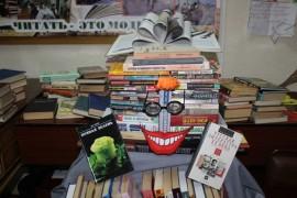 Книго-человека создали к профессиональному празднику в ЦДиЮКе (3)