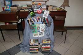 СОБЫТИЕ - Книго-человека создали к профессиональному празднику в ЦДиЮКе (7)