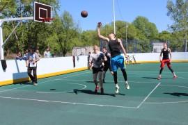 Турниром по стрит-баскету отметили День города в Биробиджане (2)