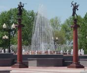 Театральная площадь 23 мая 2007г.