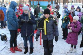 snegoviki-ukrasili-park-kulturyi-i-otdyiha-33