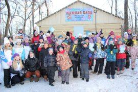 snegoviki-ukrasili-park-kulturyi-i-otdyiha-43
