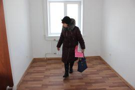 novosel-olga-nikolaevna-osmatrivaet-kvartiru-1