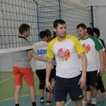 na-shkolnyih-kanikulah-pedagogi-birobidzhana-igrayut-v-maloformatnyiy-voleybol-4
