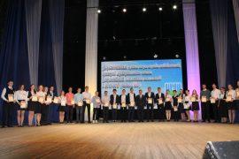 sobyitie-torzhestvennyiy-priem-olimpiadnikov-ustroil-mer-birobidzhana-42