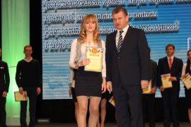 torzhestvennyiy-priem-olimpiadnikov-ustroil-mer-birobidzhana-18