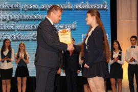 torzhestvennyiy-priem-olimpiadnikov-ustroil-mer-birobidzhana-2