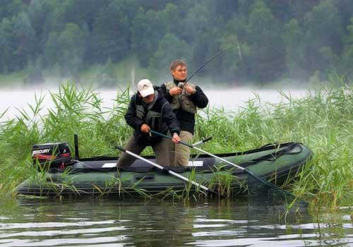 лодка для рыбалки на реке купить