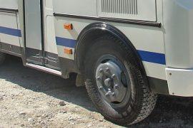 avtobus-paz-koleso