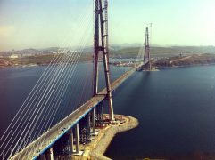 bridge-to-the-island-of-russkiy_10