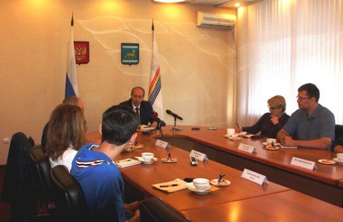 Итоги своей двухлетней работы подвел губернатор ЕАО Александр Левинталь