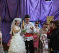 svadebnyiy-obryad-na-festivale-nats-kultur
