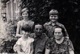 babushka-dedushka-mladshaya-sestra-1977