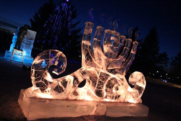 konkurs-ledovyih-skulptur-prodolzhaetsya-do-podnego-vechera-21