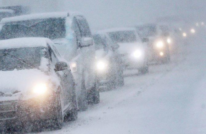 Дорога по направлению Биробиджан-Хабаровск перекрыта из-за снегопада