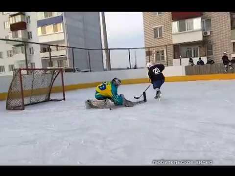 Дружеский матч провели дворовые хоккейные команды в мкр Биробиджан-2