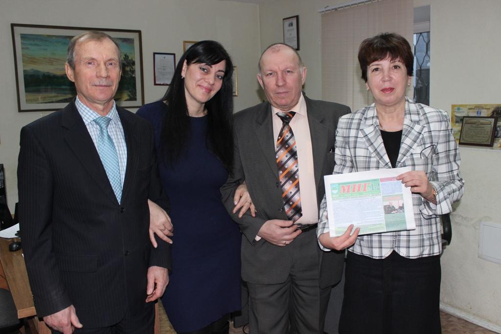 prazdnichnuyu-letuchku-proveli-deputatyi-v-gazete-mig-1