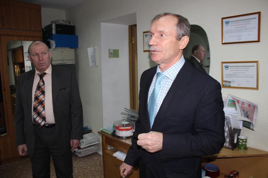 prazdnichnuyu-letuchku-proveli-deputatyi-v-gazete-mig-2