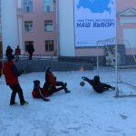 futbolnyim-horovodom-vokrug-elki-startoval-festival-gorodskoy-sredyi-v-birobidzhane-18