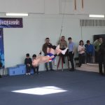 v-ozhidanii-tseremonii-nagrazhdeniya-gimnastyi-krutili-salto-2