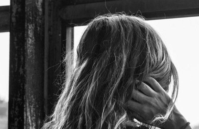 Оттаскала за волосы инспектора ПДН пьяная мать троих детей в Облученском районе ЕАО