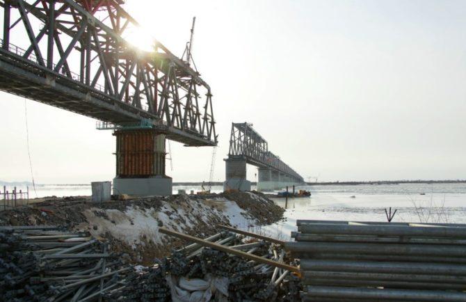 Российскую и китайскую части трансграничного моста в ЕАО соединят до 2 апреля