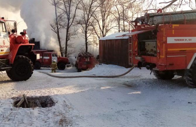 Проверку по факту пожара в двухэтажке в п. Теплоозёрск ЕАО проводит прокуратура