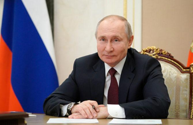 По 50 тысяч на руки: президент России подписал Указ о новых выплатах ветеранам