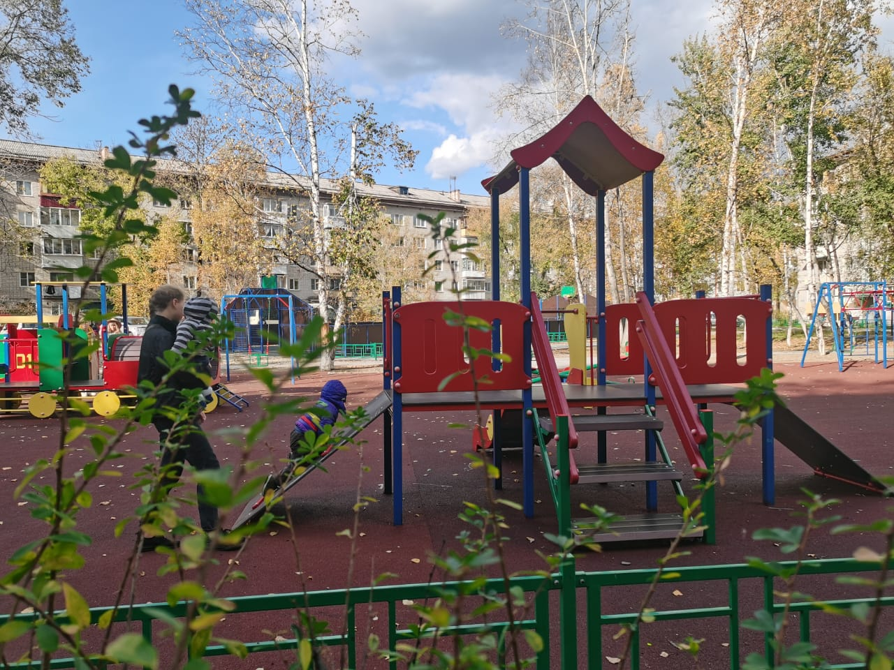 Двор по ул. Чапаева, 21 и 21А отремонтировали в Биробиджане